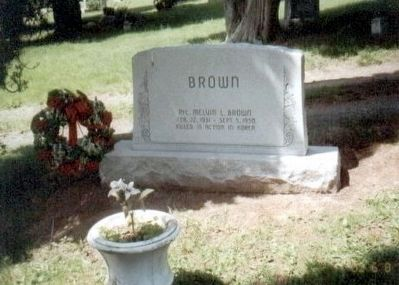 Melvin L. Brown Grave Marker-Monument image. Click for full size.