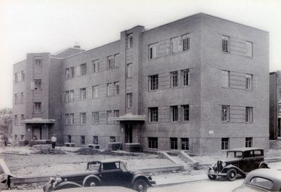 Williston Apartments image. Click for full size.