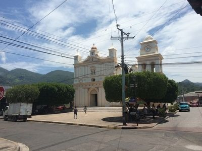 Chalatenango Catholic Church image. Click for full size.