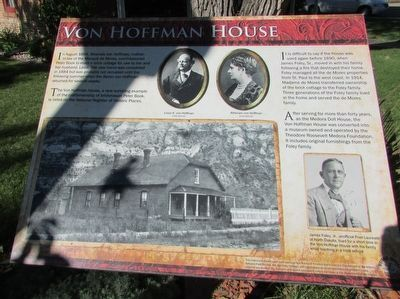 Von Hoffman House Marker image. Click for full size.