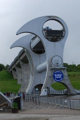 Falkirk Wheel image. Click for full size.