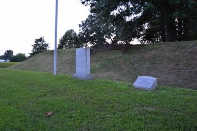 Fort Williams Marker next to Bicentennial Time Capsule image. Click for full size.