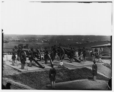 [District of Columbia. Gun crews of Company H, 3d Massachusetts Heavy Artillery, at Fort Lincoln] image. Click for full size.