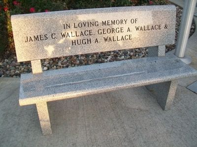 War Memorial Bench image. Click for full size.