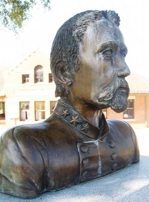 Col. Hiram Bledsoe Bust on Monument image. Click for full size.