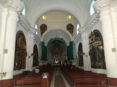 Saint Peter Church of Metapán interior image. Click for full size.