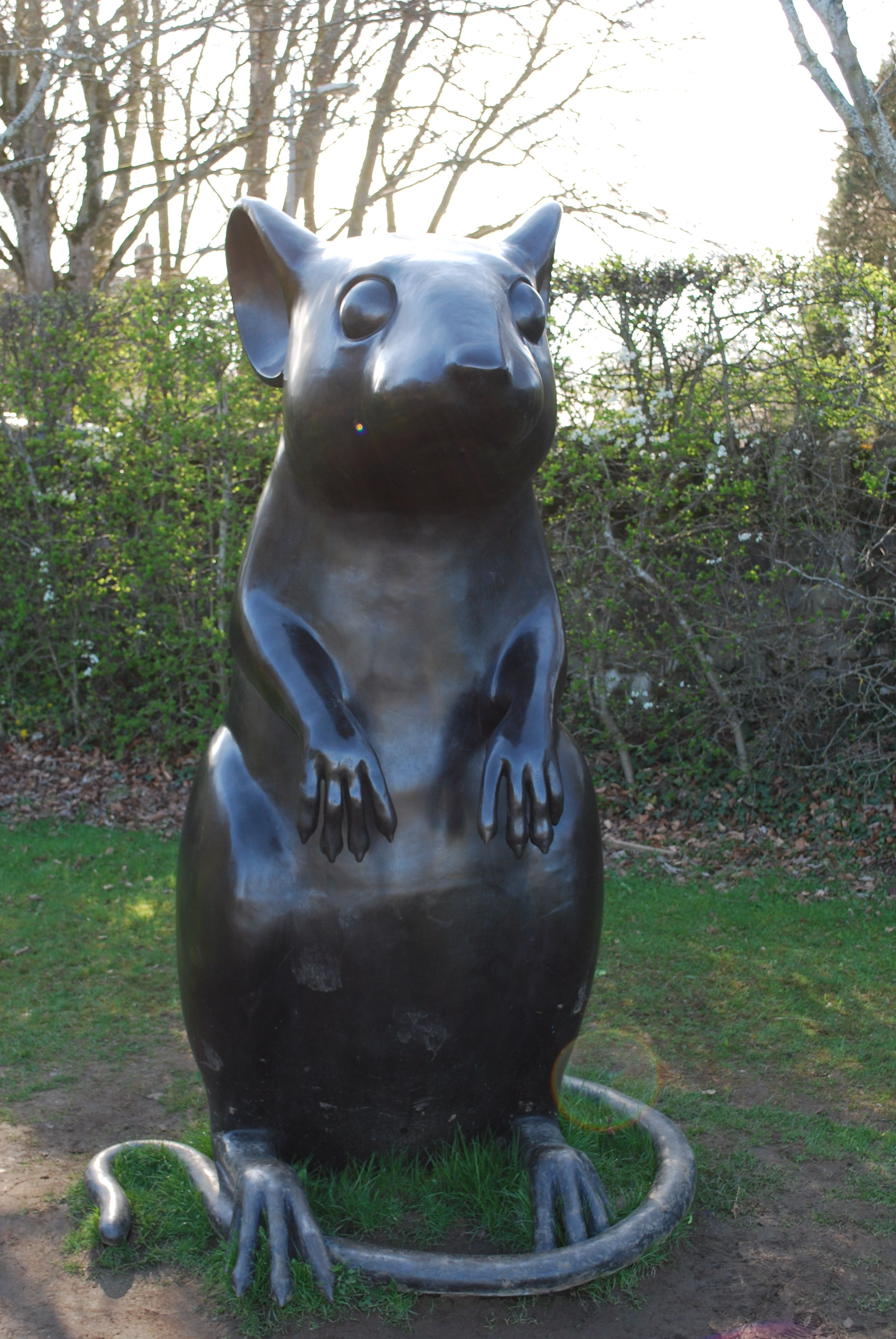 To a Mouse Statue