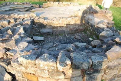 Roman Military Bathhouse, Bothwellhaugh image. Click for full size.