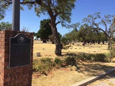 Sweetwater Cemetery and marker. image. Click for full size.