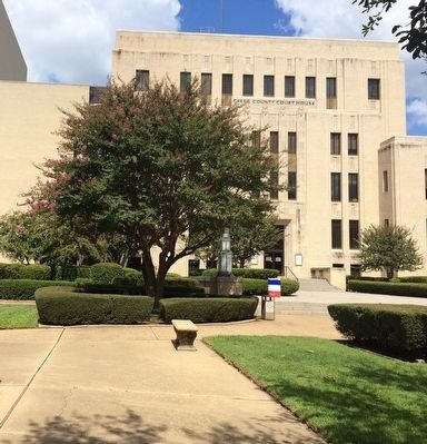 Gregg County Courthouse image. Click for full size.