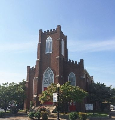 Front and side of First Presbyterian Church. image. Click for full size.