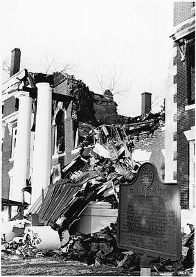 Grady County Marker after 1980 Courthouse fire image. Click for full size.