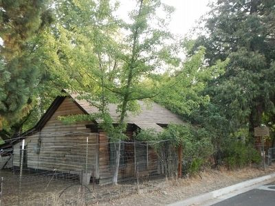 First Log House in Yreka image. Click for full size.