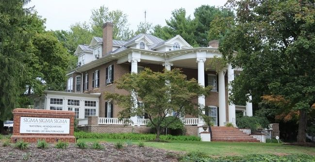 The Mabel Lee Walton House, Headquarters of Sigma Sigma Sigma image. Click for full size.