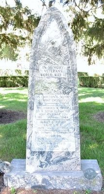 York Center WW II Veterans Memorial Marker image. Click for full size.