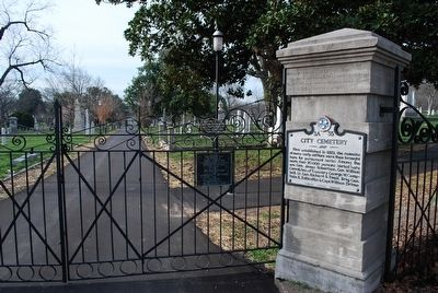 Nashville City Cemetery Entrance image. Click for full size.