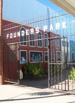 Founders Park Entrance image. Click for full size.