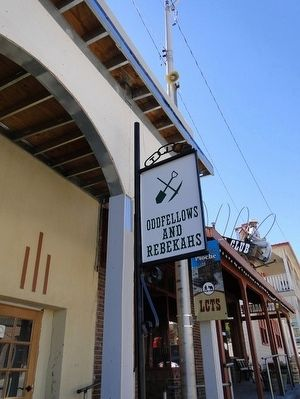 Oddfellows and Rebekahs Marker image. Click for full size.