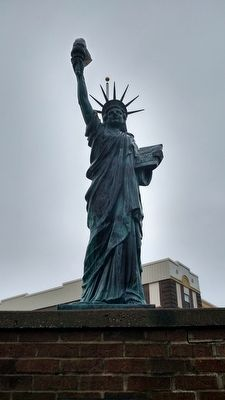 Replica of The Statue of Liberty Marker image. Click for full size.