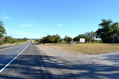 View to North Along US 183 image. Click for full size.