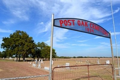 Post Oak Cemetery Entrance image. Click for full size.