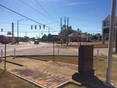 View of memorial looking south at intersection of U.S. 11 and Broad Street. image. Click for full size.