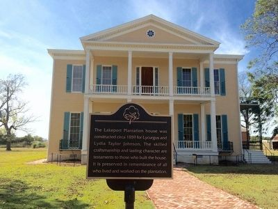 Lakeport Plantation House image. Click for full size.