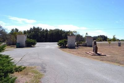 Marker near Cemetery Entrance image. Click for full size.