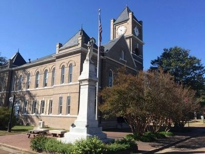 Tallahatchie County Courthouse where trial took place. image. Click for full size.