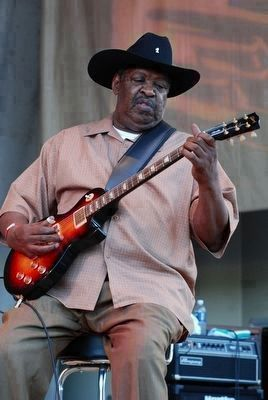 Magic Slim performs at the 25th Annual Chicago Blues Fest. image. Click for more information.