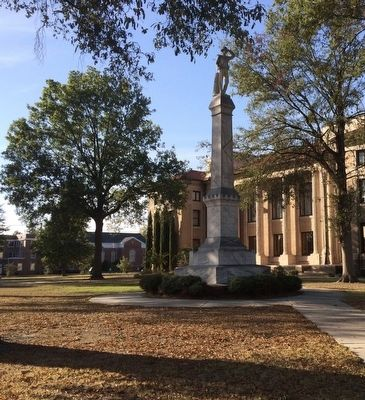 Bolivar County Confederate Monument in front of courthouse. image. Click for full size.