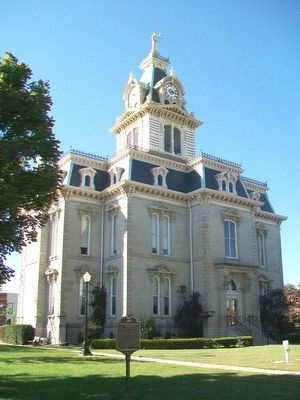Davis County Courthouse and Marker image. Click for full size.