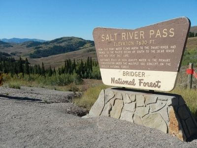 Salt River Pass image. Click for full size.