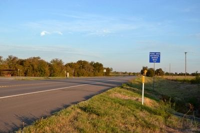 View to Northwest Along US 190 image. Click for full size.