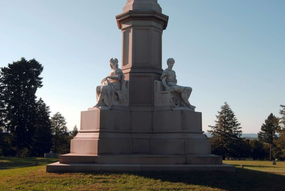 Soldier's National Monument<br>Statues of Plenty and Peace