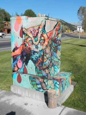 An Attractively Painted Utility Box near the Marker image. Click for full size.