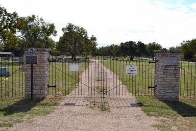Main Entrance to Stonewall Community Cemetery image. Click for full size.