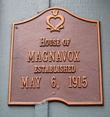 Commemorative Plaque at 1606 F St. image. Click for full size.