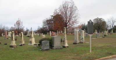 Richard Bennett Hubbard Marker and Oakwood Cemetery image. Click for full size.