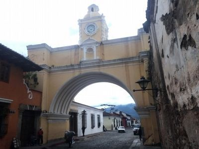Antigua's Saint Catalina Arch image. Click for full size.