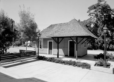 Rogue River Valley Railroad Depot - Photo Courtesy of the Library of Congress. image. Click for full size.