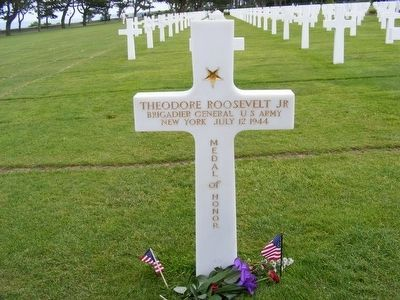 Theodore Roosevelt Jr. grave marker-Killed in Action image. Click for full size.