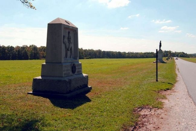 8th New York Cavalry Monument (Looking South) image. Click for full size.