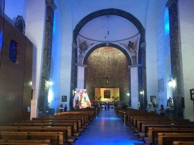 Church of Santiago interior image. Click for full size.