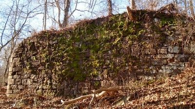 The west abutment of the Farmington Aqueduct. image. Click for full size.