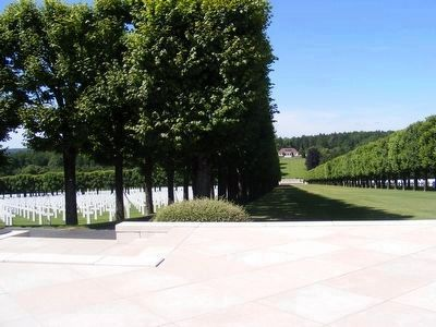 Meuse-Argonne American Cemetery image. Click for full size.