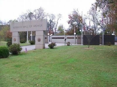 Veterans Wall of Honor, Bella Vista AR image. Click for full size.