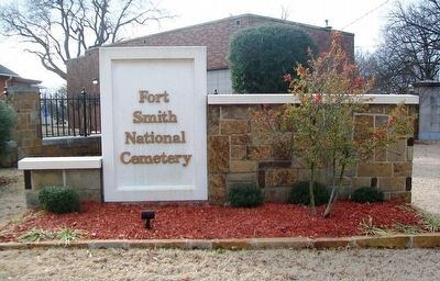 Fort Smith National Cemetery Entrance Sign image. Click for full size.