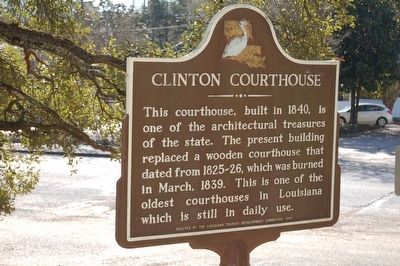 Clinton Courthouse Marker image. Click for full size.