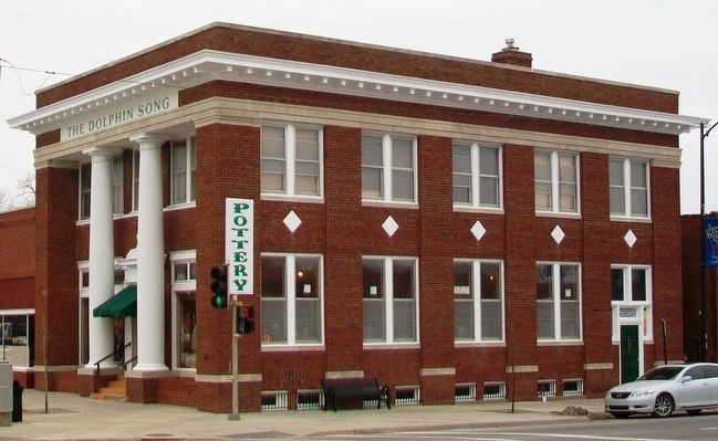 Gardner State Bank Building image. Click for full size.